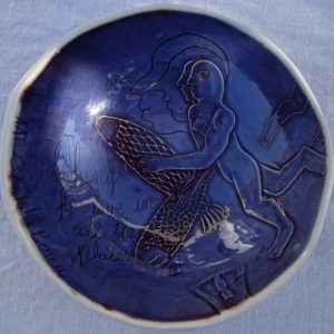 AAF237 - John Bauer - South Africa - 14cm diameter x 4.5cm high - $150 - top